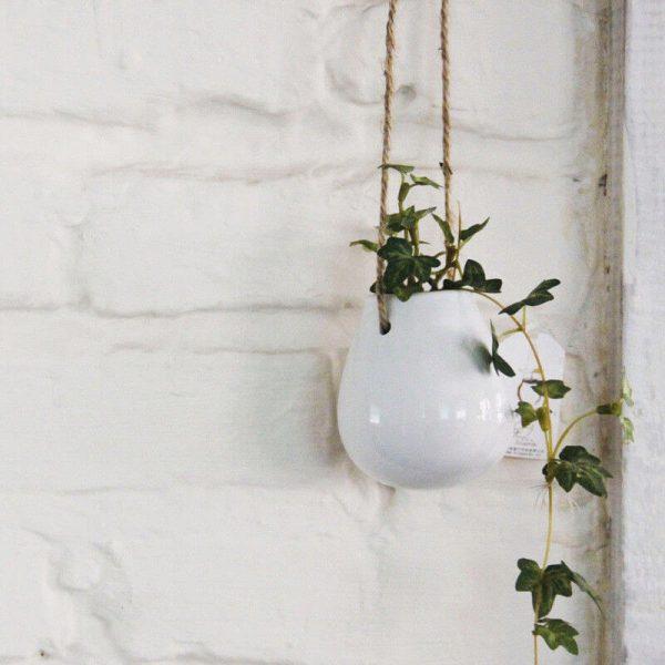 Maceta colgante cerámica blanca